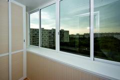 aluminievoe-osteklenie-balkona1