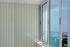 aluminievoe-osteklenie-balkona3