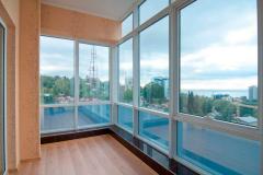 panoramnoe-osteklenie-balkona2